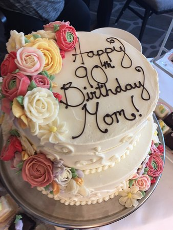 Wondrous My Mothers Birthday Cake Absolutely Beautiful Picture Of Funny Birthday Cards Online Inifofree Goldxyz