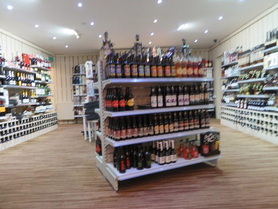 Bankfoot, UK: spirit and wine shop