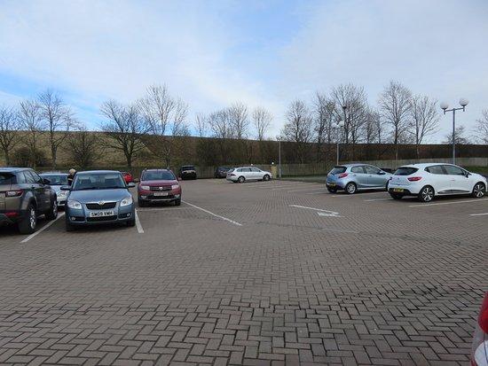 Bankfoot, UK: large car park