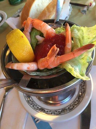 La Gondola Cafe: Shrimp Cocktail Appetizer