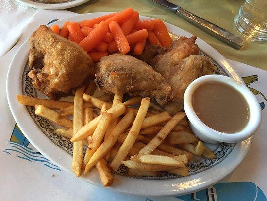 La Gondola Cafe: Fried Chicken Dinner