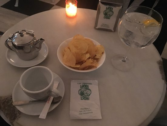 Cafeteria Lion d'Or: Bonito local