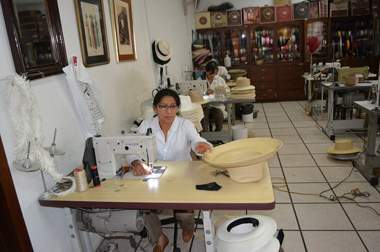 Homero Ortega: Hat sewing