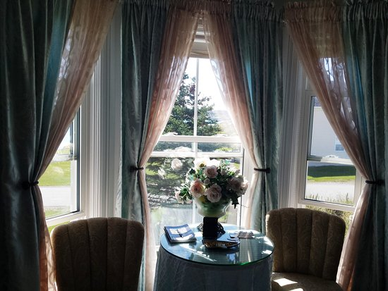 Captain's Legacy B & B: Harbour view from Elizabethan Room