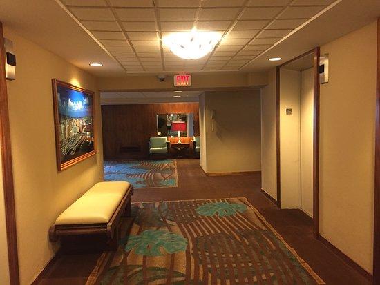 Ilikai Hotel & Luxury Suites: photo1.jpg