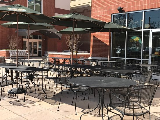 College Park, MD: outdoor seating