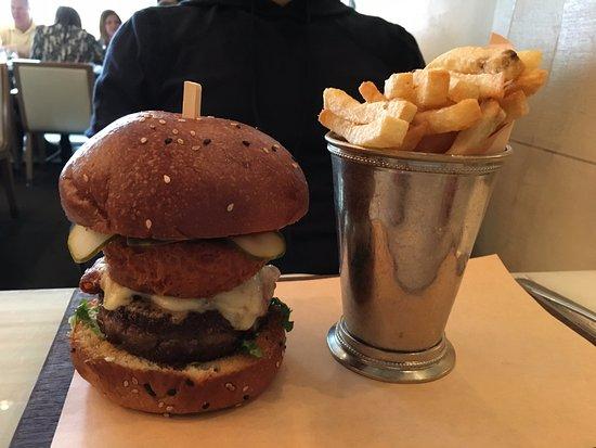 Hawksworth Restaurant: Burger