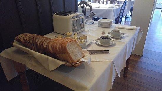 Boscawen Inn: Breakfast - bread selections