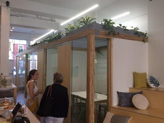 Un nouveau café bureau au centre ville de montréal