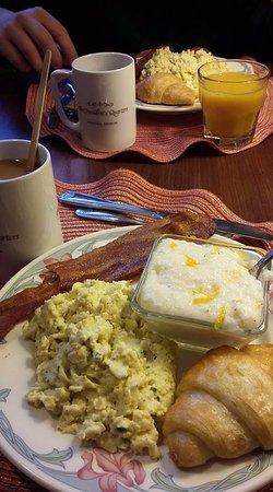 Presidents' Quarters Inn: Breakfast
