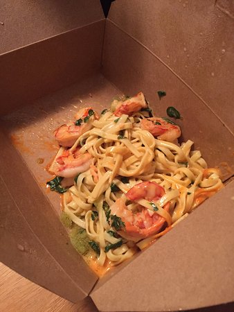 The Cracked Conch by the Sea : Is this REALLY $32.00 CI worth of Chili Garlic Wild Shrimp Fettuccine!?