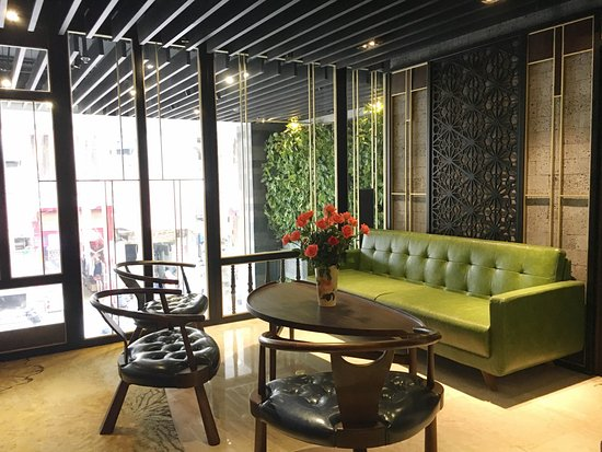 Hotel lobby picture of the chi boutique hotel hanoi for Design boutique hotel hanoi