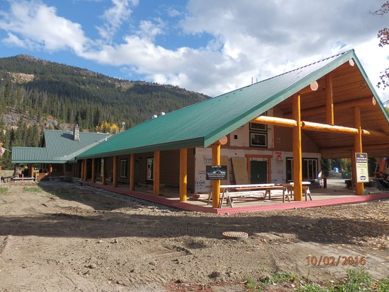 Renovations taking place at Manning Park Lodge.