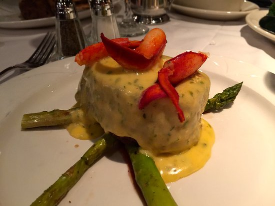 Charleston, WV: Filet with Bearnaise sauce, crab meat, and asparagus