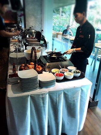 Sukhumvit 12 Bangkok Hotel & Suites: photo9.jpg