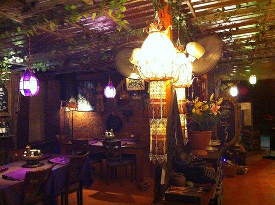 Hin Lek Fai Restaurant: Schönes, sehr gemütliches Ambiente