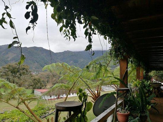 Un lugar hermoso para disfrutar el clima de Nebaj, la tranquilidad y la comida excelentes. El qu