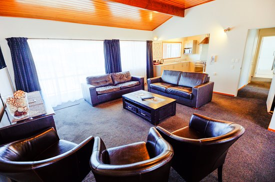 Timaru, Nuova Zelanda: Three bedroom apartment lounge