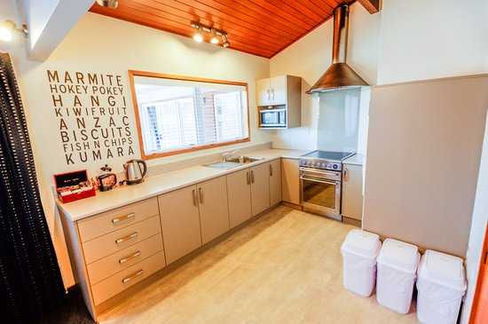 Timaru, Nuova Zelanda: Three bedroom apartment kitchen