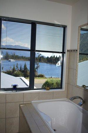 Moana, Nueva Zelanda: View from the bath.