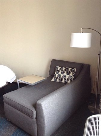 Hampton Inn & Suites Los Angeles/Sherman Oaks: photo5.jpg