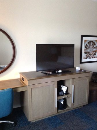 Hampton Inn & Suites Los Angeles/Sherman Oaks: photo6.jpg