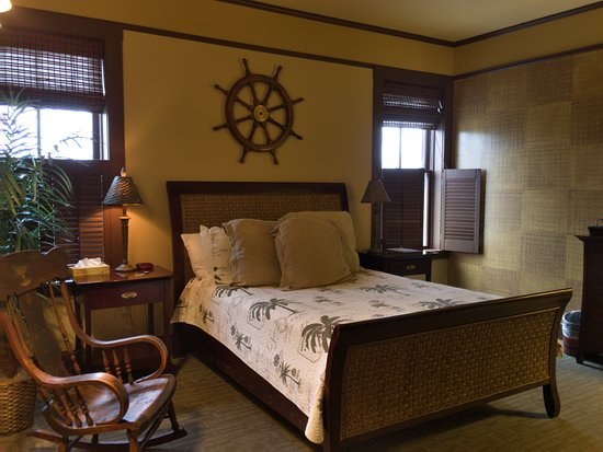 Fredericksburg Bed and Brew: The Admiral's Quarters