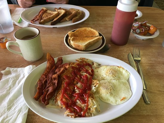 Aguila, AZ: The Breakfast Special