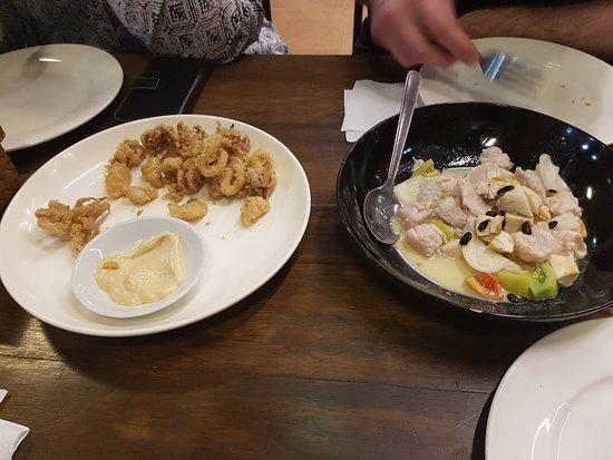 18th Street Palapala : lapu lapu ( roher-Fisch-Salat, süßsauer ) rechts