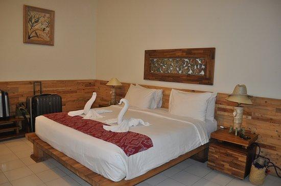 Sri Ratih Cottages: Our big room