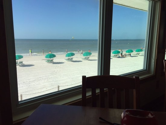 The Cottage Bar and Gulfshore Grill: What a view!