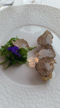 L'Epuisette: Croustillant de brie de Meaux à la truffe.