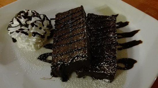 Faedo, Italy: Torta al cioccolato