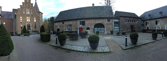 Kasteel Terworm: Innenhof