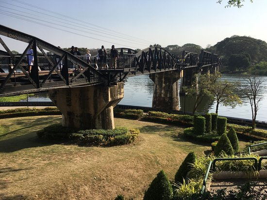 ‪Bridge Over the River Kwai‬