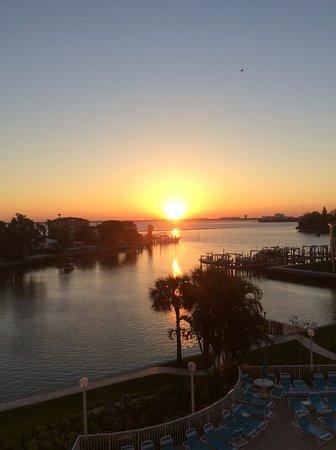 Sunrise Resorts: Sunrise from any balcony