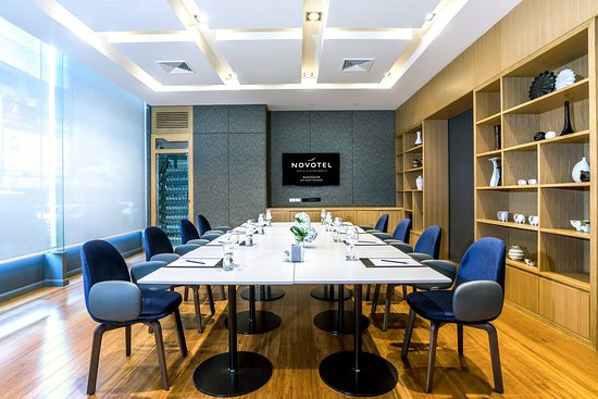 Novotel Bangkok on Siam Square: Premier Cru meeting room located on ground floor