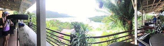 Kolonia, Micronésia: Such view 😍 Pohnpei style sashimi ? style sashimi Ice tea