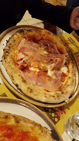 Ortezzano, Italy: ... Pizza MONTANARA ...