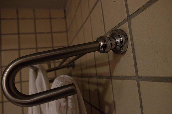 Weekender Resort & Hotel: Badezimmer im Erdgeschoss