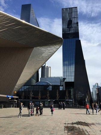 Stasiun Pusat Rotterdam (Rotterdam Centraal Station)