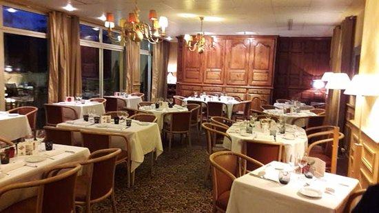 Saint-Savin, Frankrike: La salle du restaurant.
