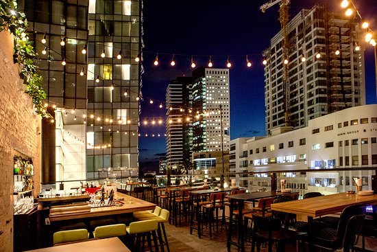 Speakeasy Rooftop Bar & Lounge