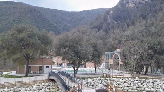 Cerreto di Spoleto, Italia: ponte di accesso