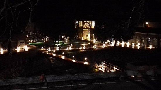Cerreto di Spoleto, Italia: Terme di notte