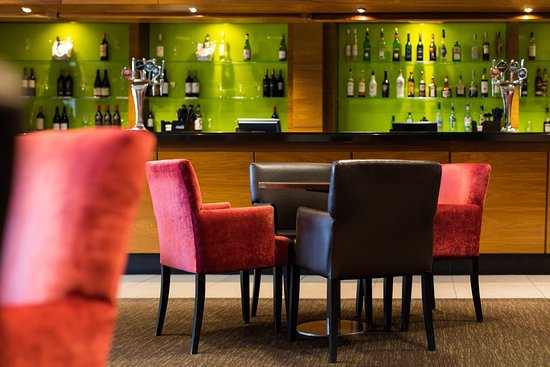 Wellesbourne Hastings, UK: Lemon Tree Bar - located in the Hotel part of the property