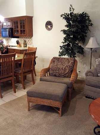 Los Lagos at Hot Springs Village : Living room and kitchen in one bedroom town-home.