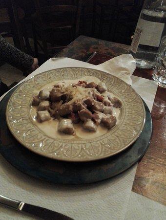 Spino d'Adda, Italia: gnocchetti alle castagne con salsiccia e taleggio