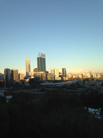 Fraser Avenue Lookout : Perth city centre