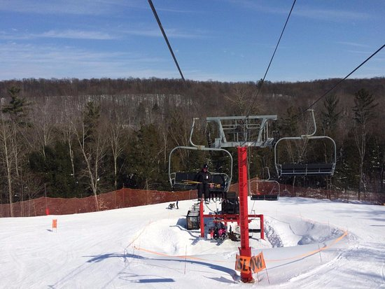 Schuss Village-Shanty Creek Resorts: Schuss Red Chair Lift